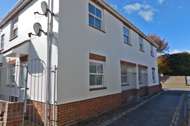 1 bed flat to rent in Heathfield Road, Portsmouth