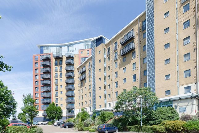 Thumbnail Flat to rent in Western Beach Apartments, Royal Docks