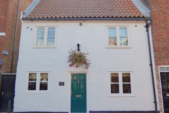 Thumbnail Terraced house for sale in Lairgate, Beverley