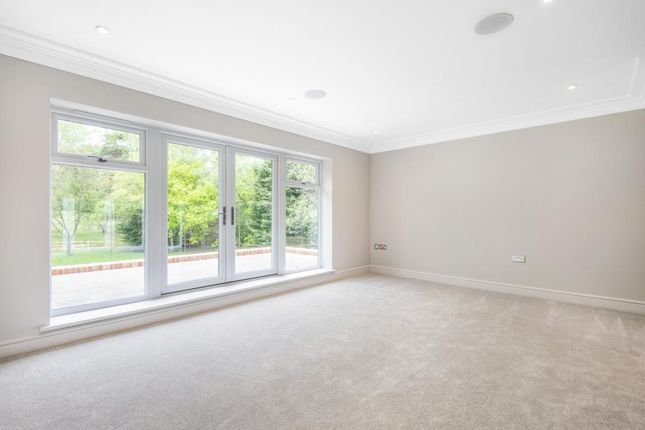 Picture 13 of Lower Wokingham Road, Crowthorne RG45