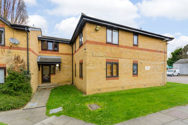 2 bed flat for sale in Alexander Court, Waltham Cross