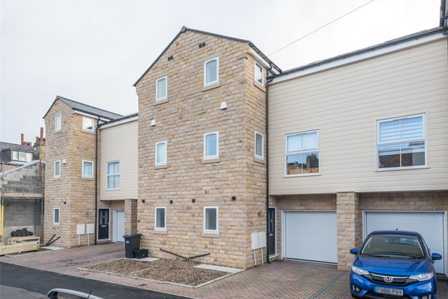 Thumbnail Flat for sale in Bartle Avenue, Harrogate, North Yorkshire