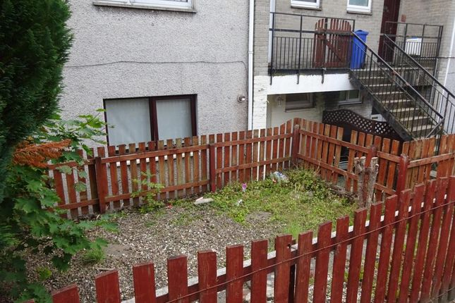 Thumbnail Maisonette to rent in Dykes Road, Penicuik, Midlothian
