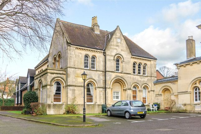 Thumbnail Flat for sale in Christchurch Close, St. Albans, Hertfordshire