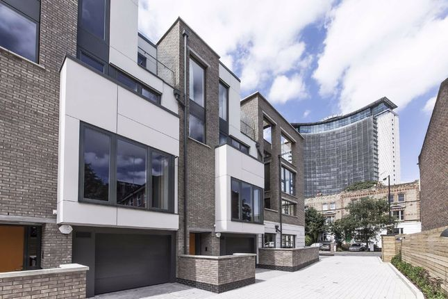 Terraced house to rent in Peel Place, London