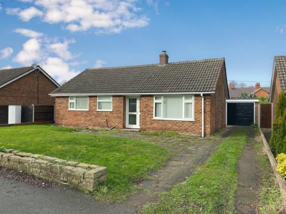 2 bed bungalow for sale in Parkway, Mold, Flintshire CH7