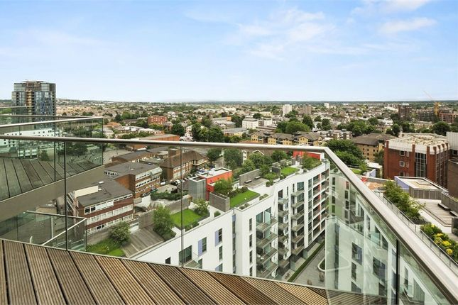 Thumbnail Flat for sale in Tennyson Apartments, Saffron Central Square, Croydon