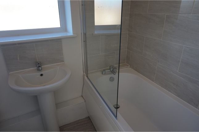 Bathroom of Curate Road, Liverpool L6