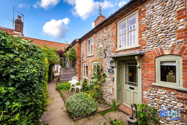 Thumbnail Cottage for sale in High Street, Blakeney