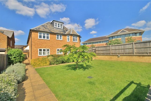 Thumbnail Flat to rent in Thorpe Road, Staines-Upon-Thames, Surrey