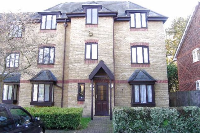 Thumbnail Flat to rent in Lymington Court, Leveret Close, Watford
