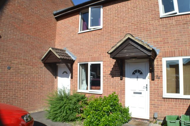 Thumbnail Terraced house to rent in Cropper Close, Thatcham
