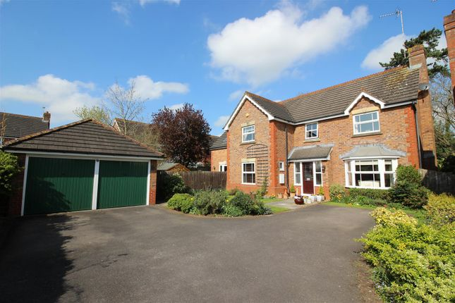 Thumbnail Property for sale in Wolverton Close, Chippenham