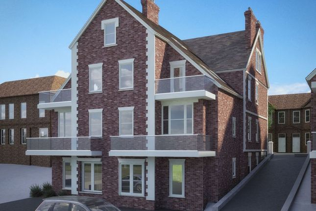 Thumbnail Flat for sale in Priory Avenue, High Wycombe