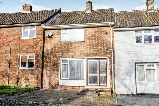 Thumbnail Terraced house for sale in Paprills, Basildon