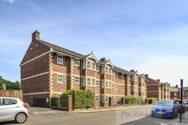 Thumbnail Flat for sale in Hutton Terrace, Sandyford, Newcastle Upon Tyne