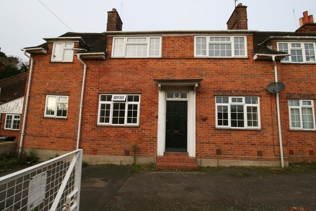 Thumbnail Bungalow to rent in Cliveden Road, Taplow