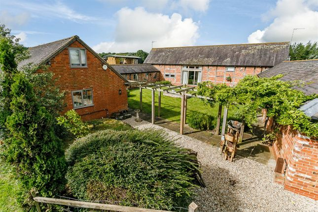 Thumbnail Detached house for sale in Loxley Lane, Wellesbourne, Stratford-On-Avon, Warwickshire