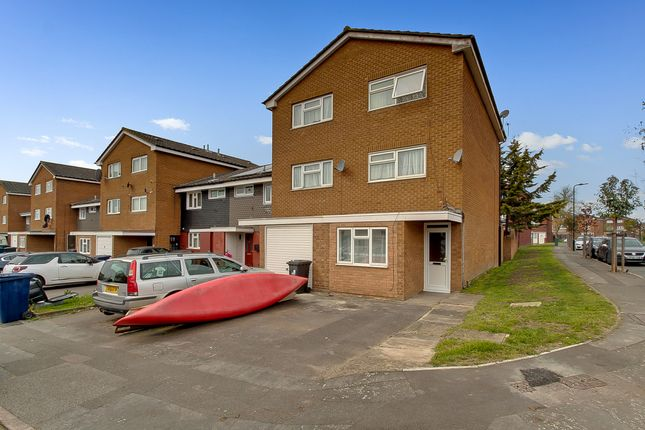 4 bedroom end terrace house for sale in Larwood Close, Greenford