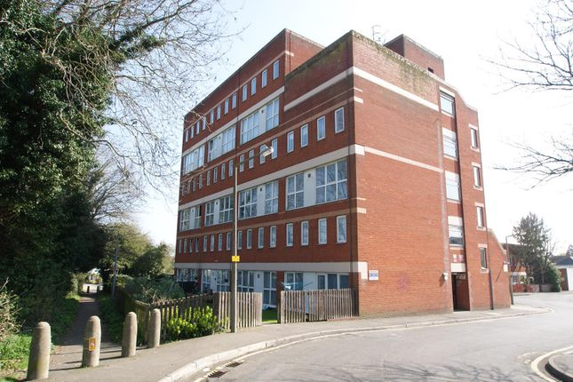 Thumbnail Flat for sale in King Georges Close, Rayleigh