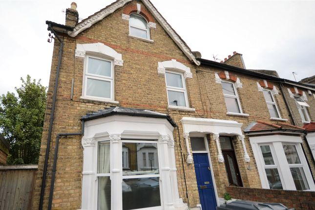 Thumbnail Maisonette to rent in Cheshire Road, Bowes Park, London