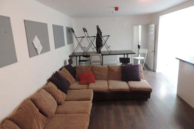 Thumbnail Shared accommodation to rent in Miskin Street, Cathays