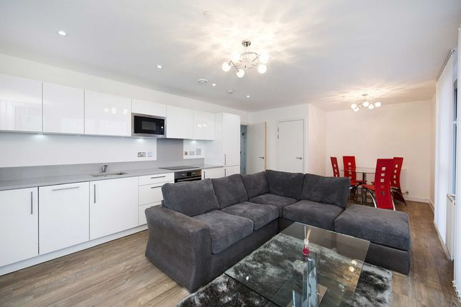 Thumbnail Flat to rent in Waterside Heights, 16 Booth Road, Royal Docks, London