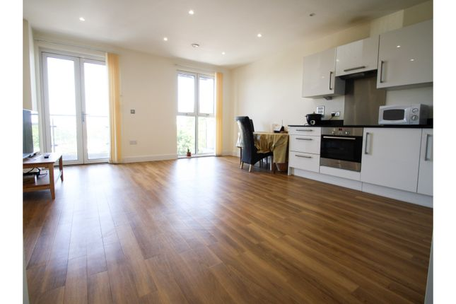 Thumbnail Flat for sale in Hatton Road, Wembley
