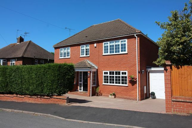 Thumbnail Detached house for sale in Heathbrook Avenue, Kingswinford