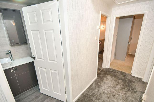 Hallway of St. Pauls Avenue, Cherry Willingham, Lincoln LN3