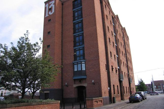 Thumbnail Flat for sale in Kingston Street, Hull, East Yorkshire