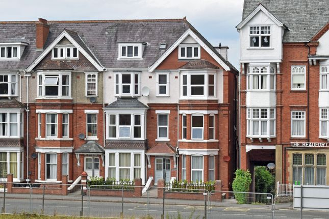Thumbnail Flat to rent in Temple Street, Llandrindod Wells