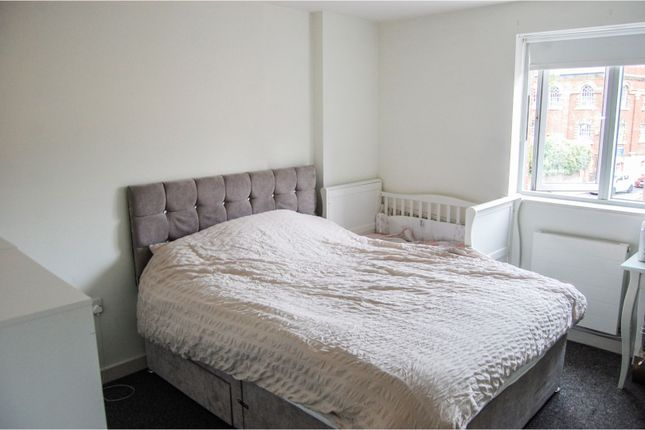 Bedroom of Castle Lane, Bedford MK40