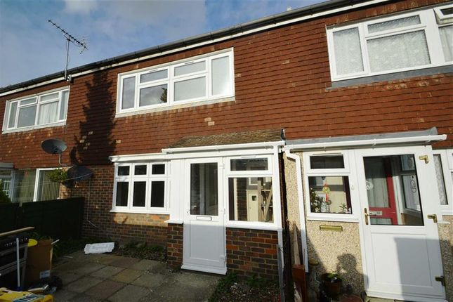 Thumbnail Property to rent in Burford Close, Barkingside, Essex