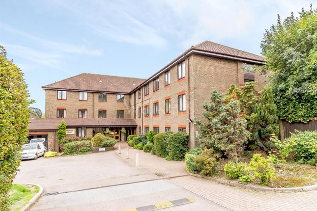Thumbnail Flat for sale in Primrose Court, Kings Road, Brentwood