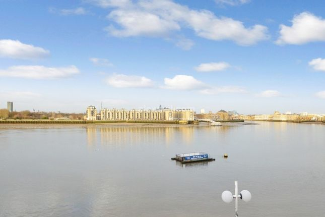 2 bed flat for sale in Westferry Road, London