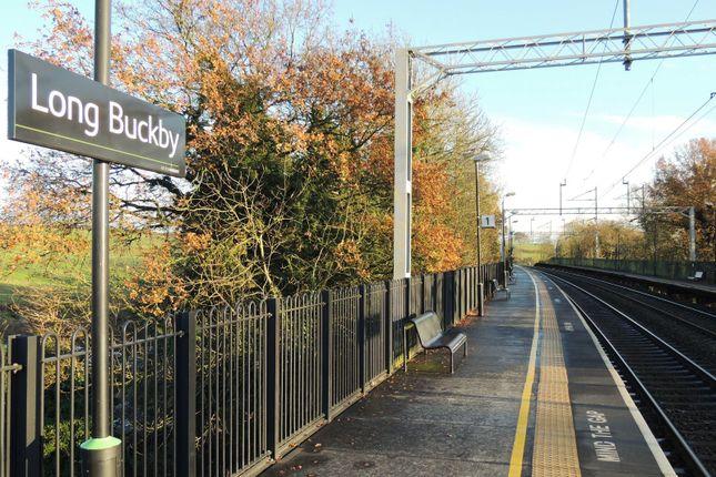 Long Buckby Train Station