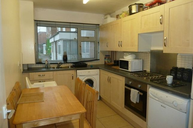 Thumbnail Flat for sale in Vicarage Road, Bletchley, Milton Keynes, Buckinghamshire