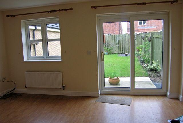 Thumbnail Semi-detached house to rent in Elvaston Park, Kingswood, Hull