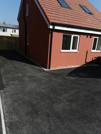 Bungalow to rent in Saunders Row, Wombwell, Barnsley