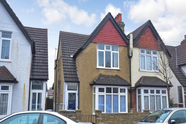 3 bed semi-detached house to rent in Woodside Court Road, Addiscombe, Croydon