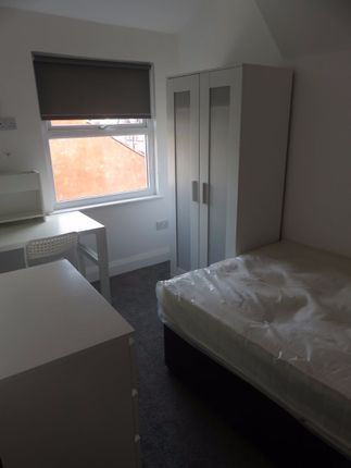Thumbnail Maisonette to rent in Holt Road, Kensington, Liverpool