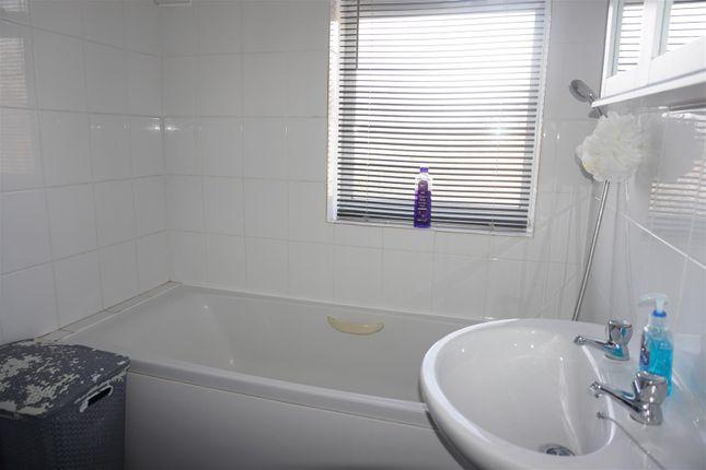 Bathroom of Bennett Road, Ipswich IP1