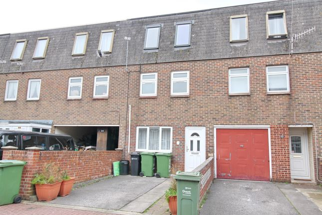 Thumbnail Town house to rent in Lomond Close, Portsmouth