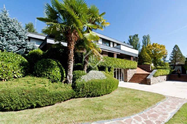 Thumbnail Country house for sale in Spain, Madrid, Madrid Surroundings, La Moraleja, Mad8605