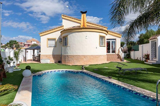 Villa for sale in La Pobla De Vallbona, Valencia, Spain