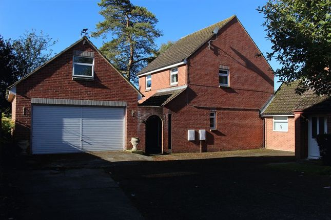 Thumbnail Detached house for sale in Tyning Park, Calne