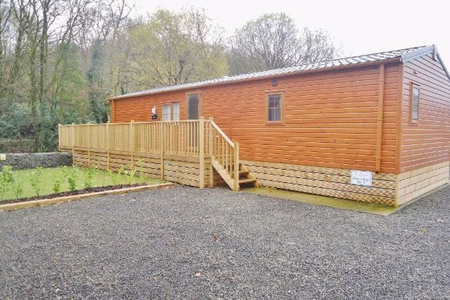 2 bed lodge for sale in Dollarfield, Dollar