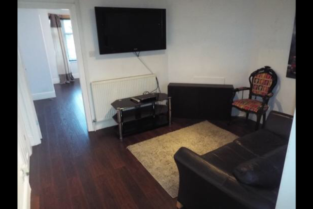 Thumbnail Terraced house to rent in Willenhall Lane, West Midlands