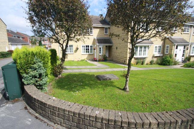 Thumbnail Flat to rent in Oakdene Court, Alwoodley